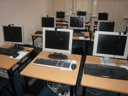 Aula de inglês no computador