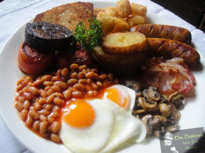 café da manhã irlandês ovos bacon