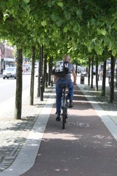 Homem de bicicleta