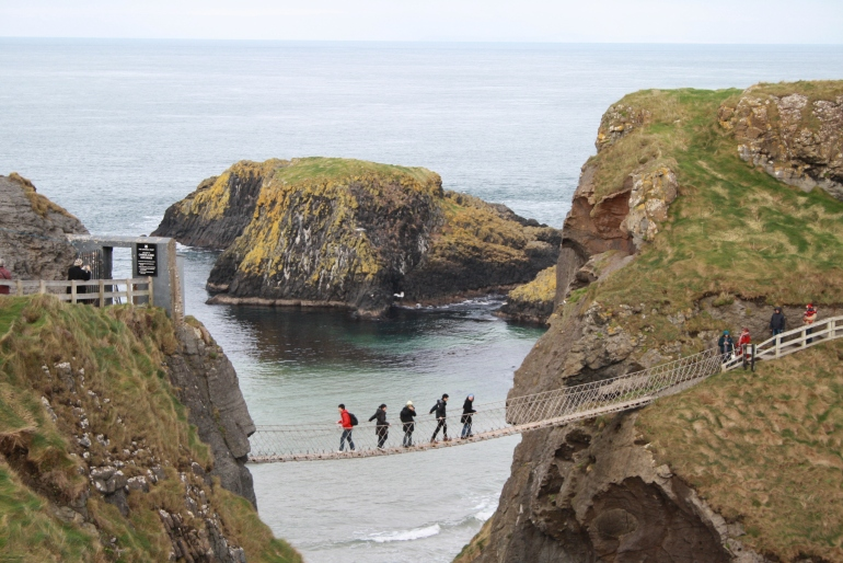 carrick-a-rede-rope-bridge2